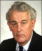 [ image: Tam Dalyell: War crimes threat counter-productive]