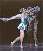 [ image: Darcey Bussell appears to be the exception to the 'stocky' British dancer]