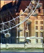 [ image: The wheel will be next to the old County Hall on the south bank]