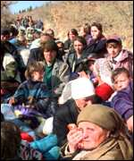 [ image: Refugees from Kosovo travelling to Rozaje]