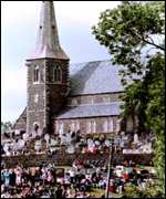 [ image: Orangemen have been holding a vigil at Drumcree church since July 1998]