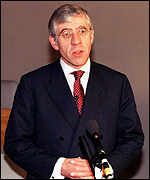 [ image: Jack Straw: Britain will take up to 1,000 refugees a week]