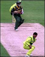 [ image: Saqlain Mushtaq appeals for the wicket of Shahriar Hossain]