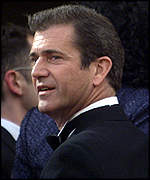 [ image: Hollywood backing: Mel Gibson arrives at the Felicia's Journey premiere]