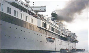 BBC News | Asia-Pacific | Picture gallery: Luxury liner horror