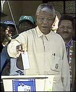 Mandela voting in 1994