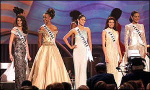 Five Miss Universe finalists