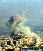 Israeli warplanes bomb Beirut in 1982