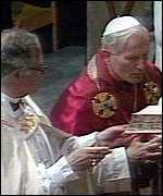 Pope and Runcie at Canterbury