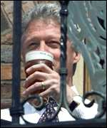 [ image: Bill Clinton sups a pint in Birmingham's Brindley Place before last year's G8 conference]