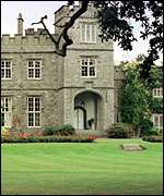 [ image: Luttrellstown Castle: Luxury venue]