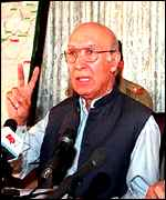 [ image: Sartaj Aziz: No talks until Kashmir resolved]