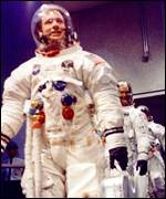 Armstrong leaving to board Apollo 11