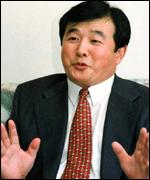 [ image: Li Hongzhi says the group should not be seen as enemies]