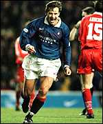 [ image: Kanchelskis: Transferred to Everton]