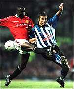 [ image: Emersom Thome's desperately tries to beat Andy Cole to the ball]