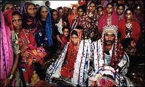 BBC News | South Asia | Bride ...