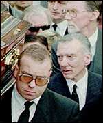 [ image: Reggie Kray at his brother's funeral]