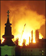 [ image: Novi Sad, April 1999: Nato destroys the oil refinery]