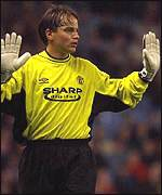 [ image: Mark Bosnich receives a hostile reception on his return to Villa Park]