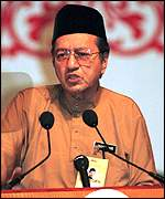 [ image: Mahathir Mohamad: hopes Indonesia will support Wahid]