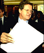 [ image: Canada's Foreign Minister Lloyd Axworthy: Leading Commonwealth team]