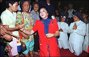 image: [ Imelda Marcos: famous for having 2,000 pairs of shoes ]