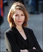 [ image: Helen Baxendale was a winner as Doctor Maitland in Cardiac Arrest]