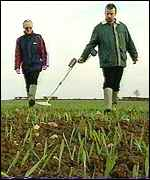 [ image: Kevin, left, had never used a metal detector, but Martin is a fanatic]