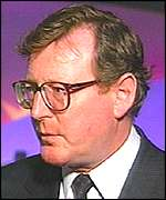 [ image: David Trimble: Moved quickly to counter dissidents' statement]