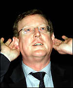 [ image: David Trimble: Thanked for his courage]
