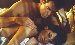 Pierce Brosnan and Sophie Marceau as Bond and Elektra King