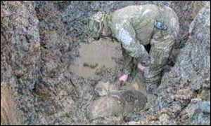 image: [ Bomb disposal experts say poor conditions have left them with only one alternative - to detonate the 750kg bomb ]