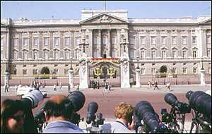 image: [ Buckingham Palace - the summit's focus of attention ]