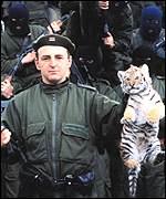 Den serbiske krigsherren Arkan med en tiger