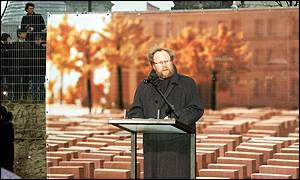 President Wolgang Thierse delivers speech during Berlin Holocaust Memorial ceremony
