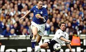 Steve Guppy in action in the 1999 Worthington Cup final against Tottenham