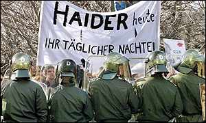 Anti-Haider protesters confronted riot police in Vienna