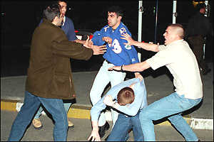 Galatasaray and Leeds fans fight in Istanbul