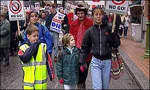 Clarke family on a protest march over Rover sell-off