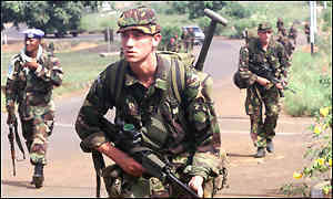 UK paratroopers in Sierra Leone