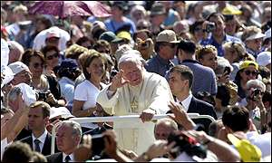 Pope holds open-air audience on Wednesday