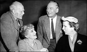 Sir Lewis Casson, Dame Sybil Thorndike, Sir John Gielgud and Diana Wynard in 1954