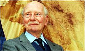 Sir John Gielgud on his 90th birthday