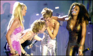 spice girls performing at Brit Awards 2000