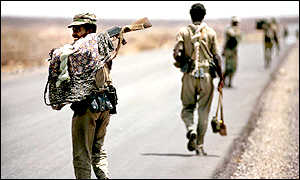 Retreating Eritrean soldiers