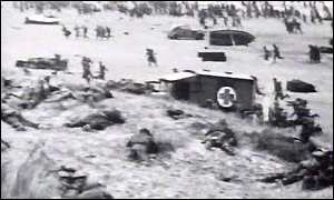 Allied troops trapped on Dunkirk beach