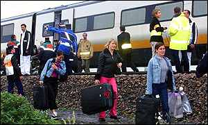 Passengers leave derailed train