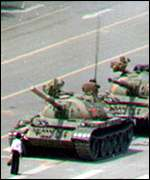 Protester in front of tanks, Tiananmen protests