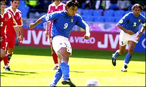 Inzaghi scores